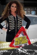 Michella Rijdt Door